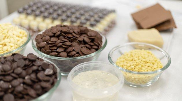 Verschiedene Zutaten für die Herstellung von Bengelmann Pralinen
